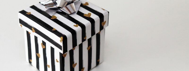 gift-4663231_1920